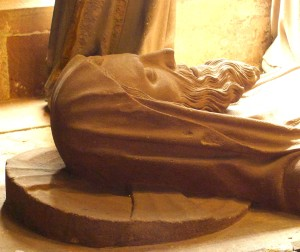 Grab aus dem hirnlosen Mittelalter (im Freiburger Dom)